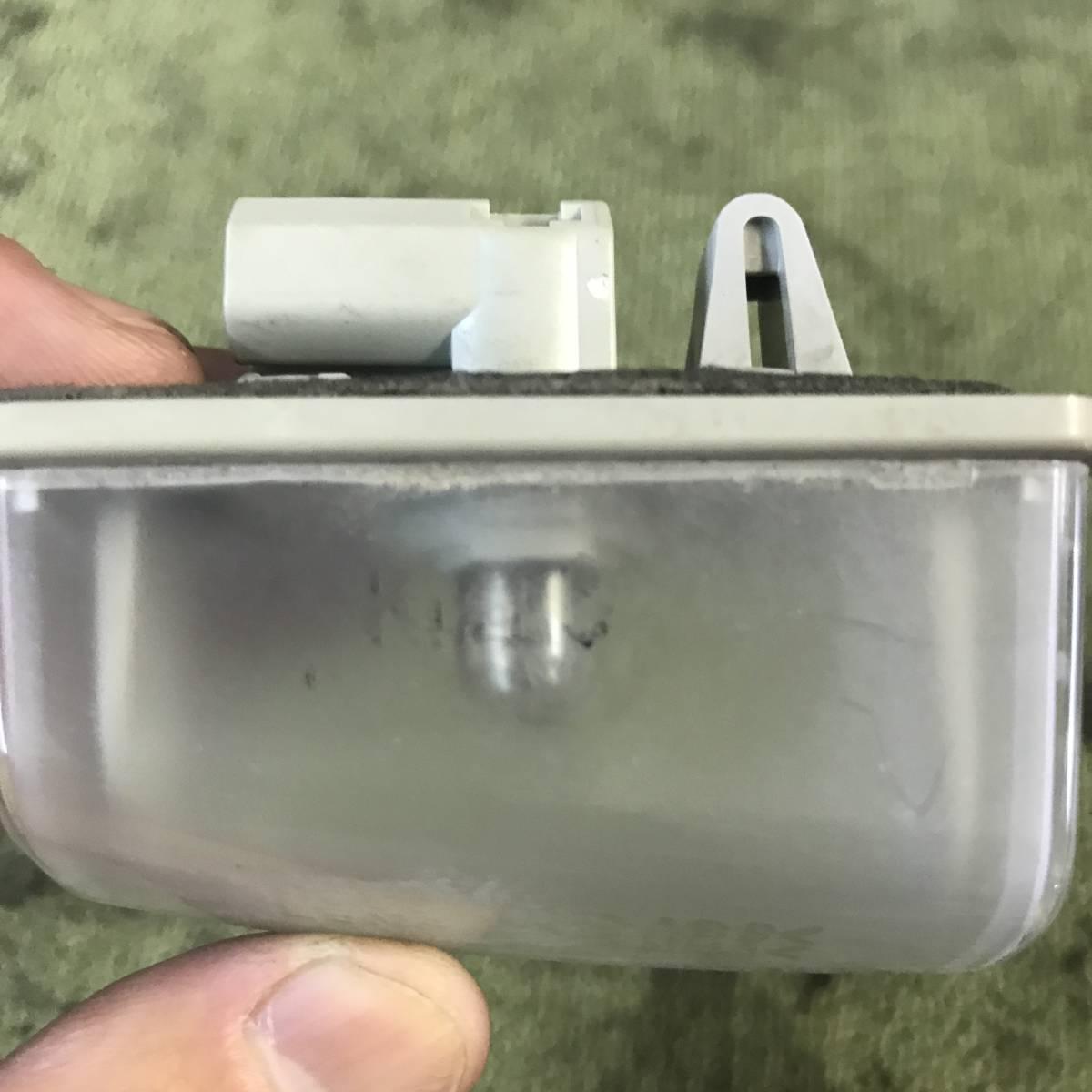 180802-5750 トヨタ セリカ zzt231 SS-Ⅱ 1.8 前期 ナンバー灯 アシストランプ ガーニッシュランプ (A)_画像2