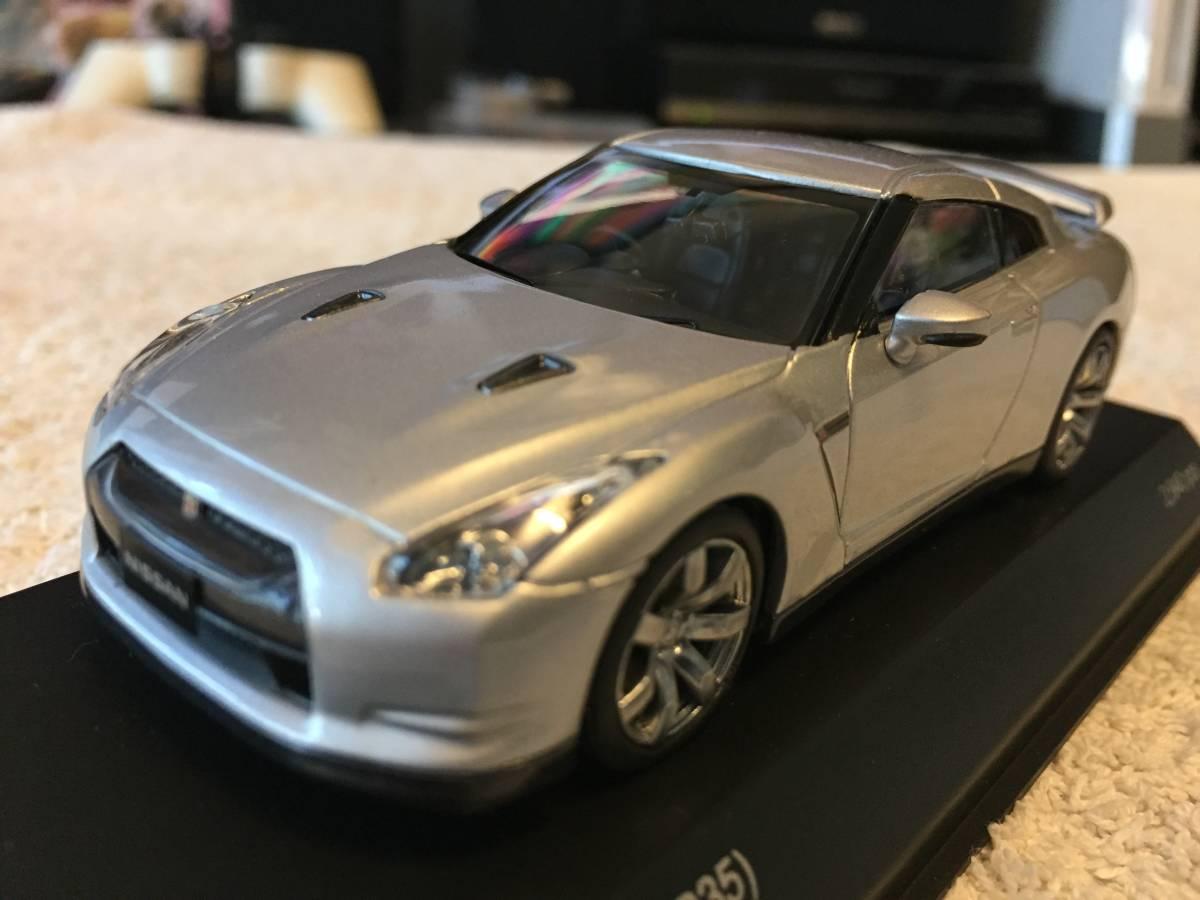 Y1808-0007 KYOSHO(京商) R35 日産 GT-R 2008 シルバー 1/43モデル_画像1