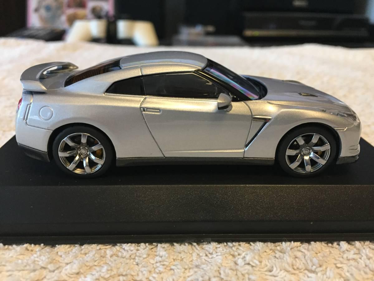 Y1808-0007 KYOSHO(京商) R35 日産 GT-R 2008 シルバー 1/43モデル_画像8