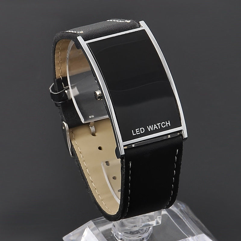 LEDデジタルウォッチ メンズ 生活防水 見やすい大画面液晶 腕時計 薄型液晶_画像5