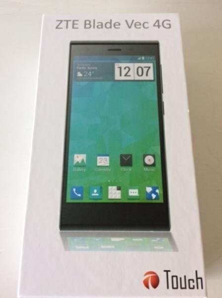 新品 ZTE Blade Vec 4G ブラック LTEモデル SIMフリー_画像2
