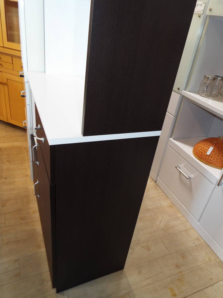 【愛知店舗】3.000円から配送できます☆食器戸棚 キッチンボード 大きさ80×40×180㎝ コンセント付_画像6
