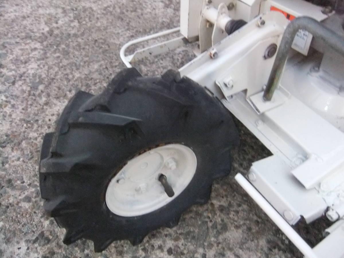 草刈機自走式クボタGC700 ロータリーモア ウイングモア滑りにくい2WD最大6.0馬力★格安です。_画像4