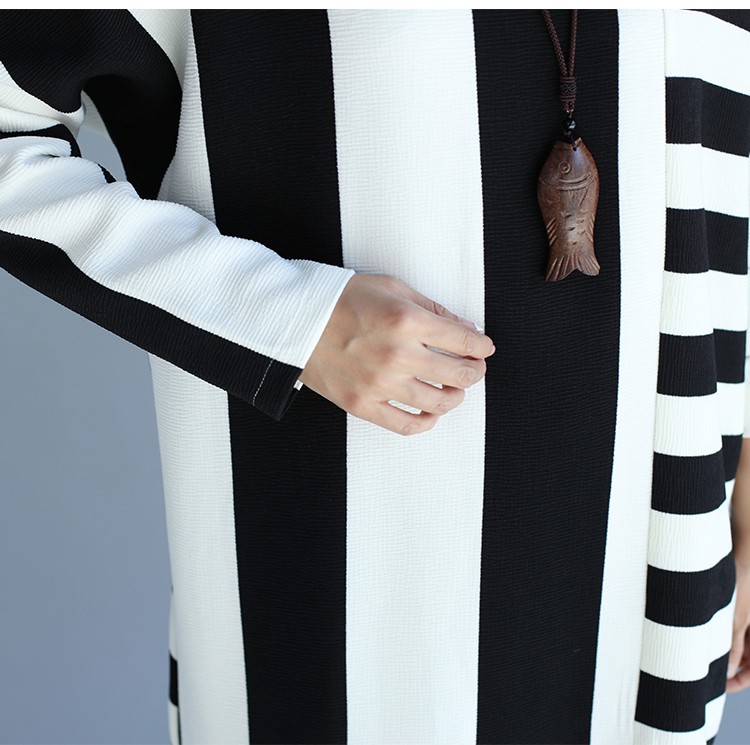 ♪ストライプ 長袖ワンピース ブラック ホワイト 黒 白 5L ゆったり ぽっちゃり ルームウエア☆新品未使用品☆送料無料☆★_画像6
