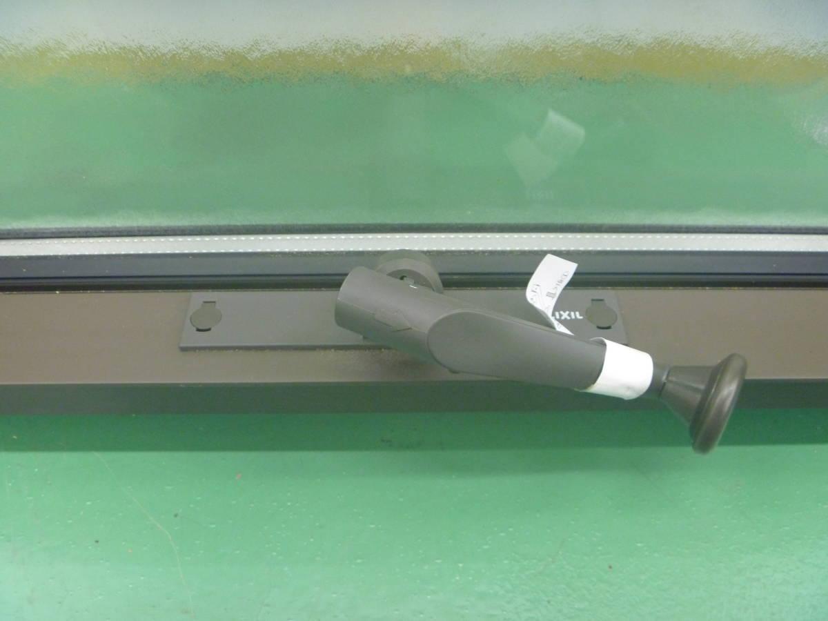 N08185 未使用 リクシル 横すべり出し窓オペレーター サーモスL GG-05707-ARVL 枠付_画像6
