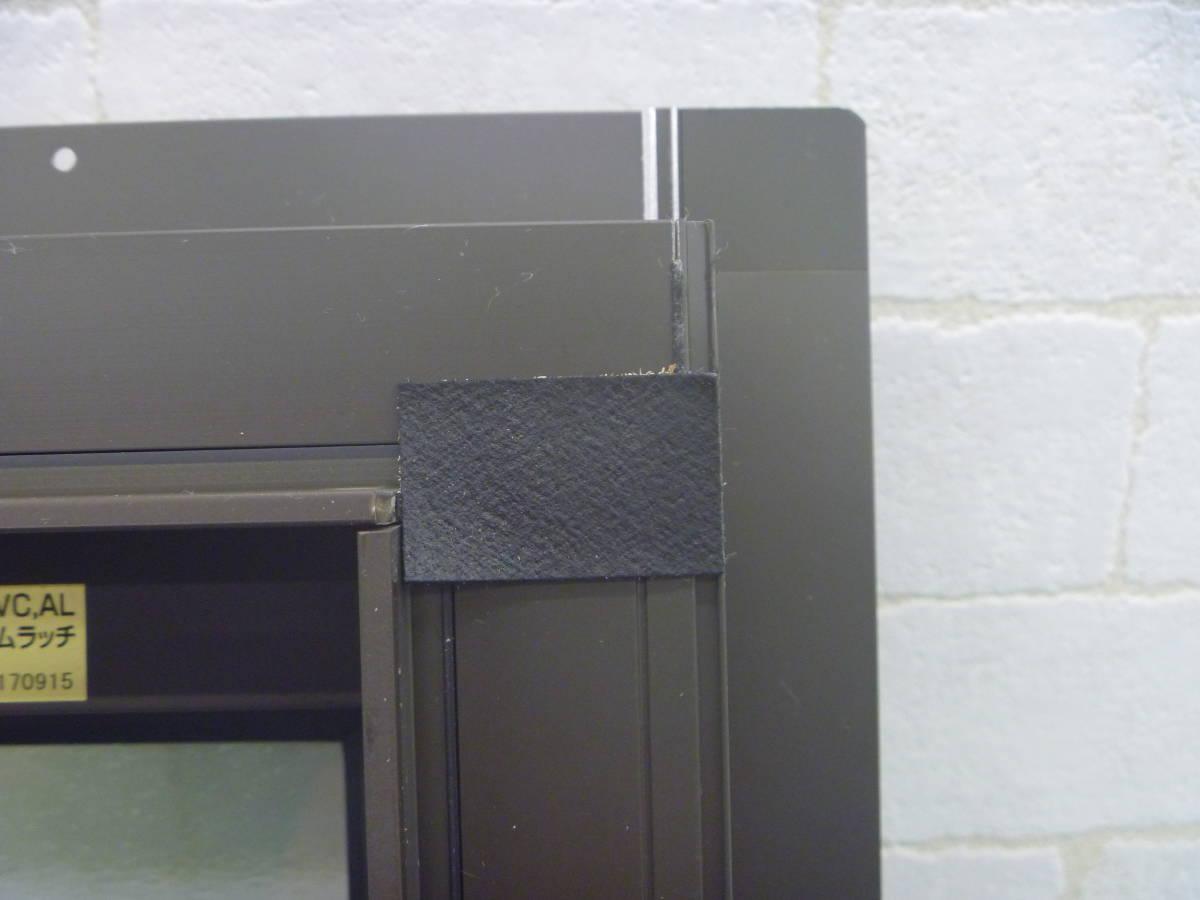N081812 未使用 リクシル 横すべり出し窓カムラッチ サーモスL GG-03305-ARVV 枠付_画像2