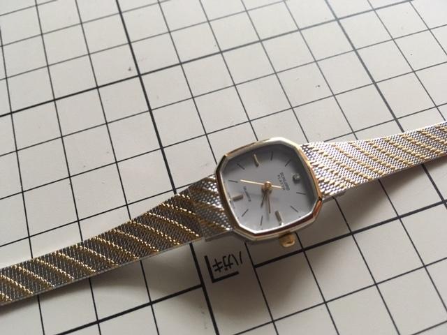 K836 良デザイン 美品 レア ヴィンテージ SUNLORD/サンロード PLAYTH 3針 コンビ グレー L7015 純正ブレス クオーツ レディース 腕時計_画像1