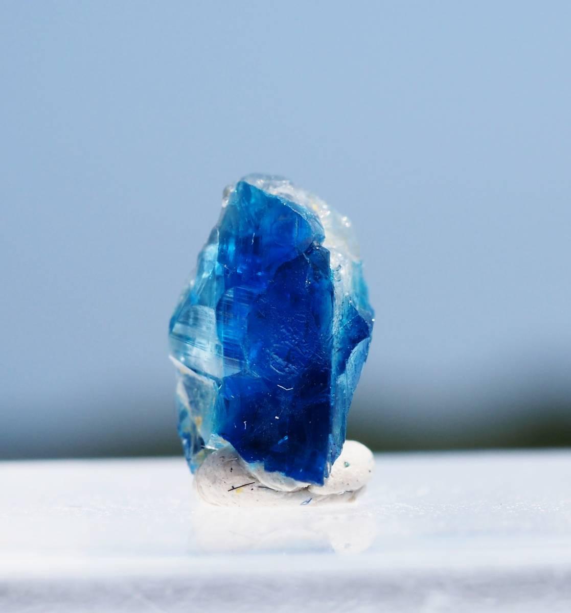 宝石質 ジンバブエ産 ユークレース ハイグレード 深く透明なブルーライン_画像2