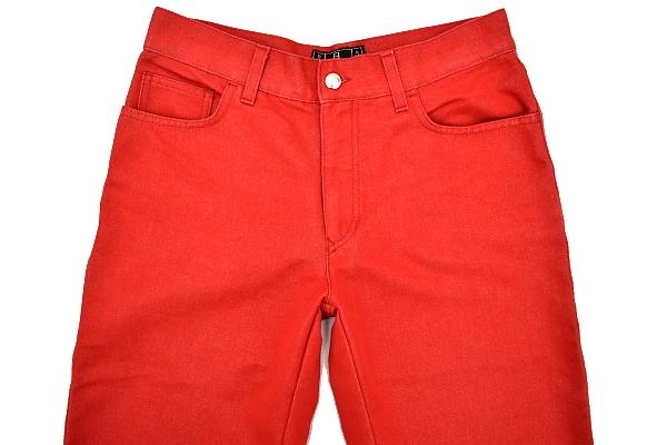 P616★FENDI jeans フェンディジーンズ★イタリア製 正規品 レッド赤色 刺繍入り ショート クロップドパンツ 43_画像2