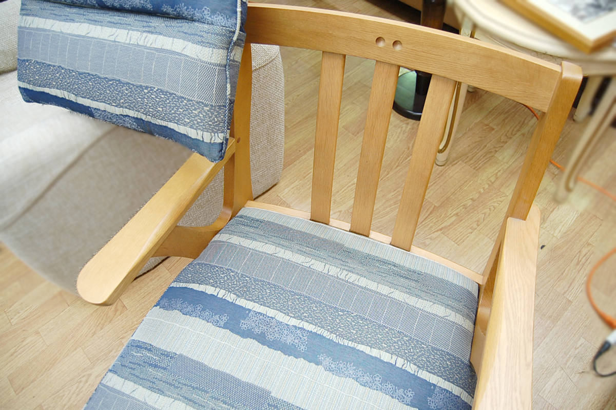 maruni/マルニ シングルソファ 360°回転 リビングチェア ラウンジチェア 椅子 木製 クッション 布地 札幌発_画像5