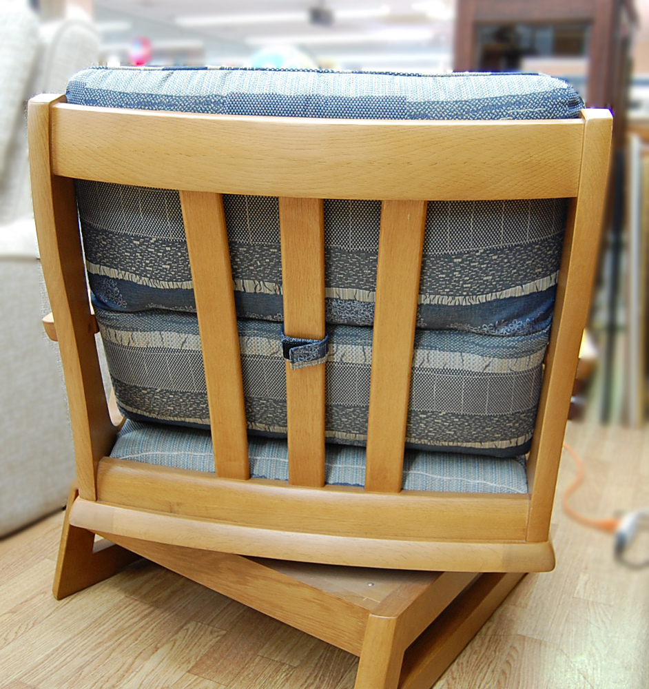 maruni/マルニ シングルソファ 360°回転 リビングチェア ラウンジチェア 椅子 木製 クッション 布地 札幌発_画像2