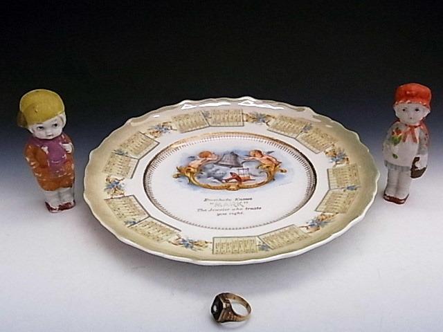 1910年 鐘を鳴らすエンジェル・カレンダー絵皿 ◆ 米国アンティーク_画像9
