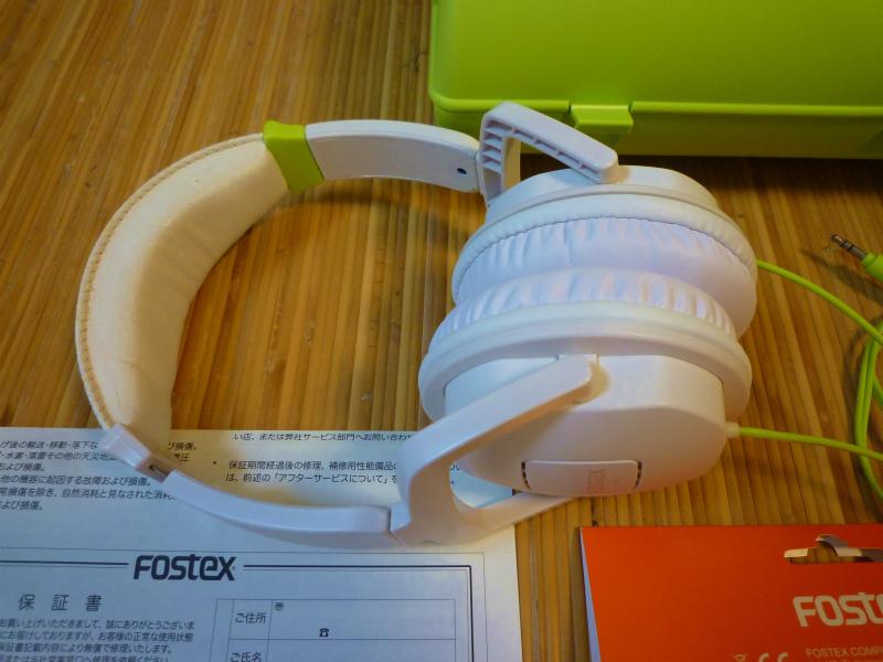 FOSTEX  TH-05W  ヘッドフォン イヤーパッド新品に交換済み ケースに チョット難ありでもいい音?ですね_画像2