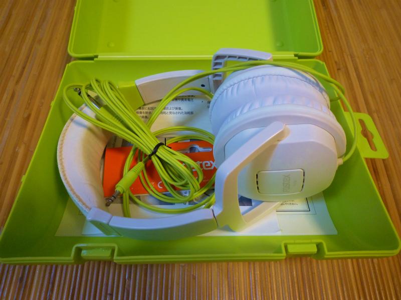 FOSTEX  TH-05W  ヘッドフォン イヤーパッド新品に交換済み ケースに チョット難ありでもいい音?ですね_画像9