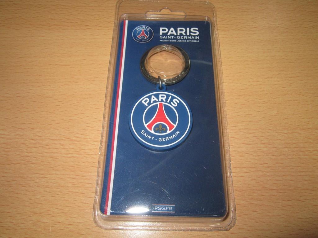 新品  パリ  PARIS  saint-germain  キーホルダー _画像1