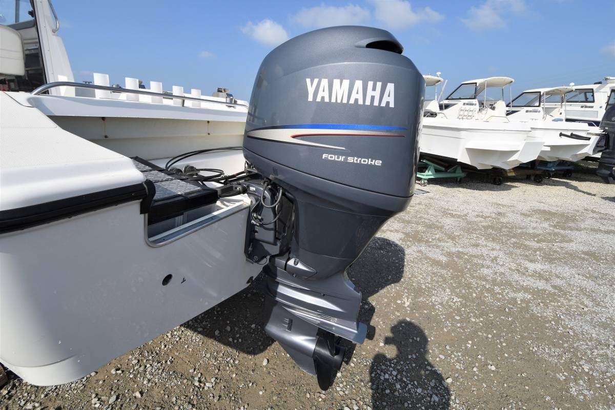☆★船屋.com 船底塗装なしの美艇☆★YAMAHA YF-23EX 4st 150ps 船外機!!_画像8