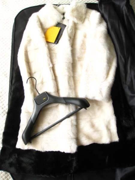 即決 新品タグ付 FENDI フェンディ最高峰バイカラーミンクファー毛皮コート40サイズ☆ハンガー、ガーメントケース付_画像1