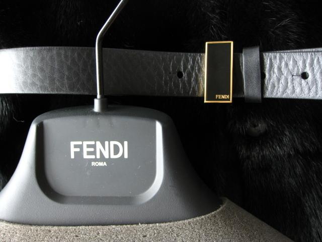 即決 新品 FENDI フェンディ 最高級ベルト付きミンクファー毛皮ノーカラーコート☆42サイズ ブラック_画像2