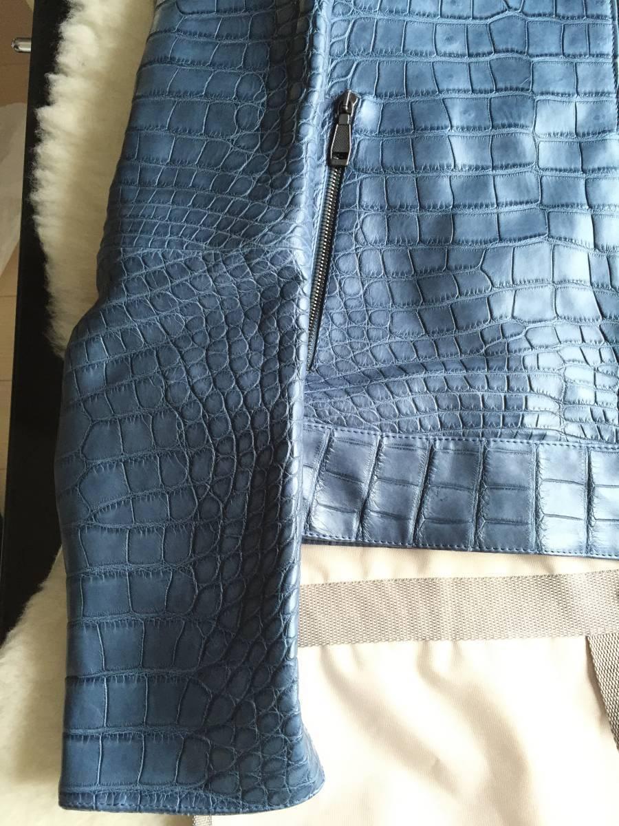 即決 新品タグ、ハンガー付 Brioni  ブリオーニ 最高峰モデル 総クロコダイルレザーバイカージャケット☆48サイズ ブルー_画像3
