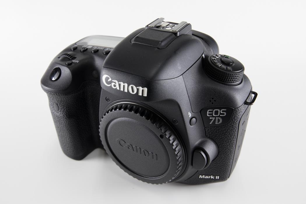 ★美品★未使用付属品★ CANON キヤノン EOS 7D Mark II Mark2 マーク2 7D2