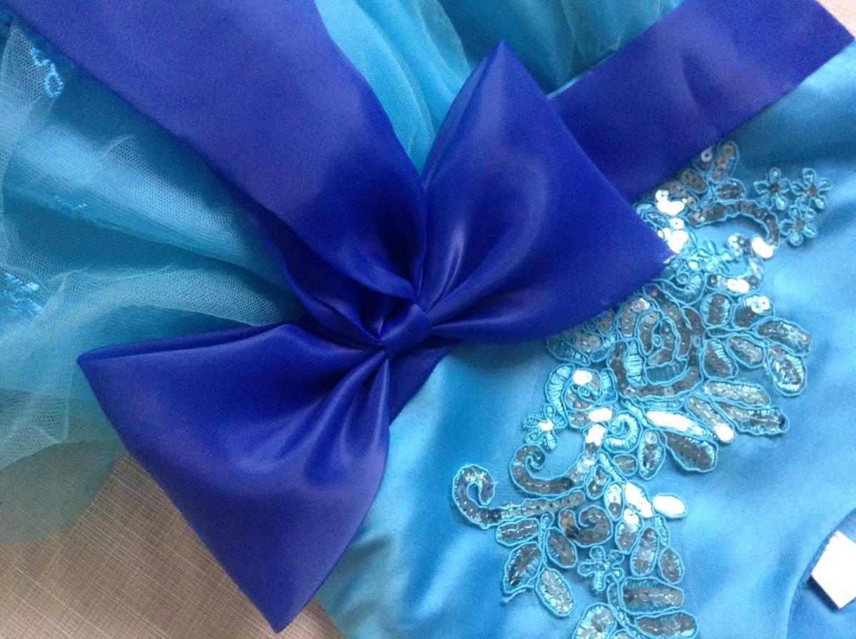 女の子用 ブルー(青色)のドレス(発表会向け) 130-135 未使用 試着のみ ひらひら かわいい リボン_画像10