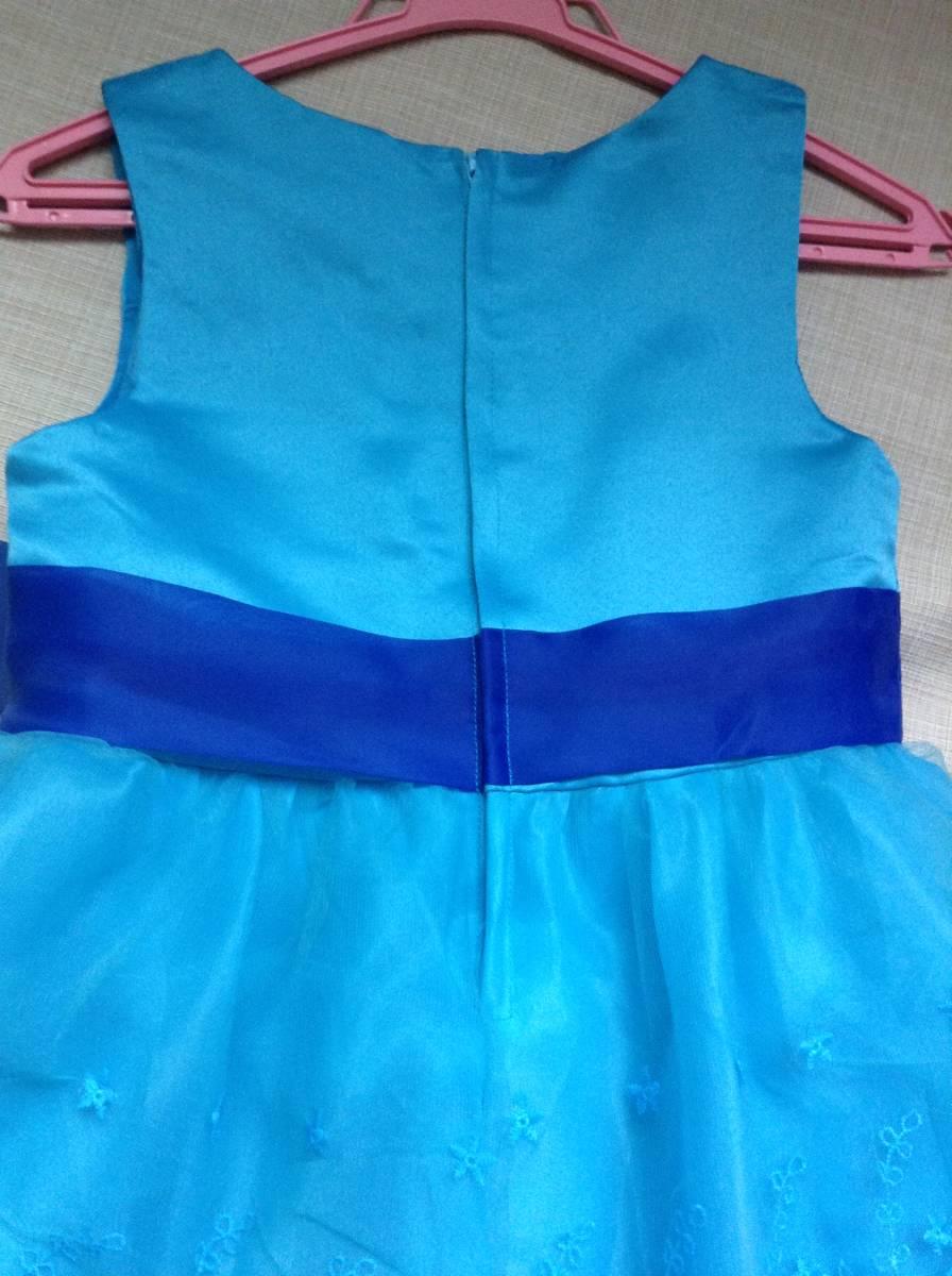 女の子用 ブルー(青色)のドレス(発表会向け) 130-135 未使用 試着のみ ひらひら かわいい リボン_画像3