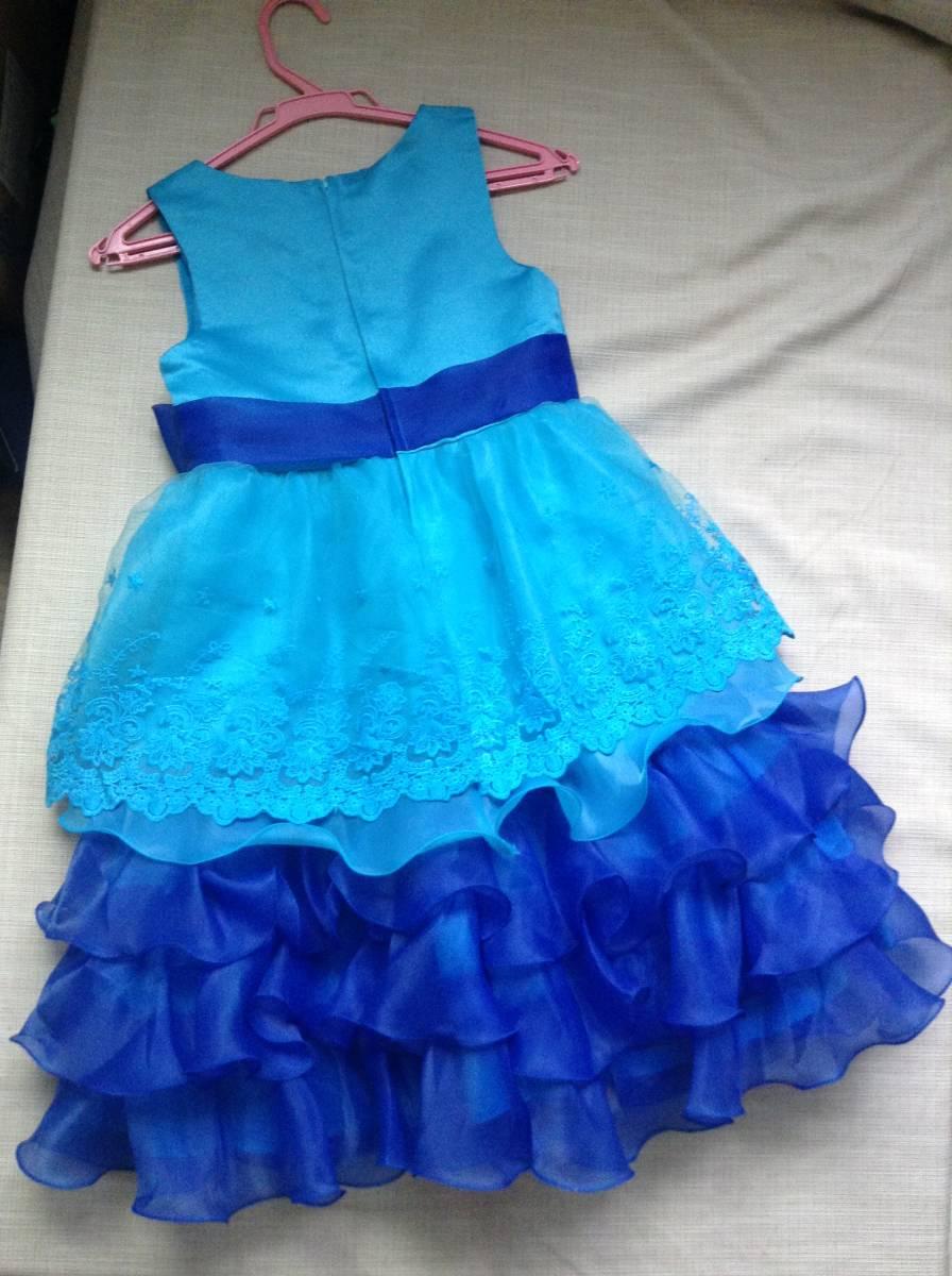女の子用 ブルー(青色)のドレス(発表会向け) 130-135 未使用 試着のみ ひらひら かわいい リボン_画像2