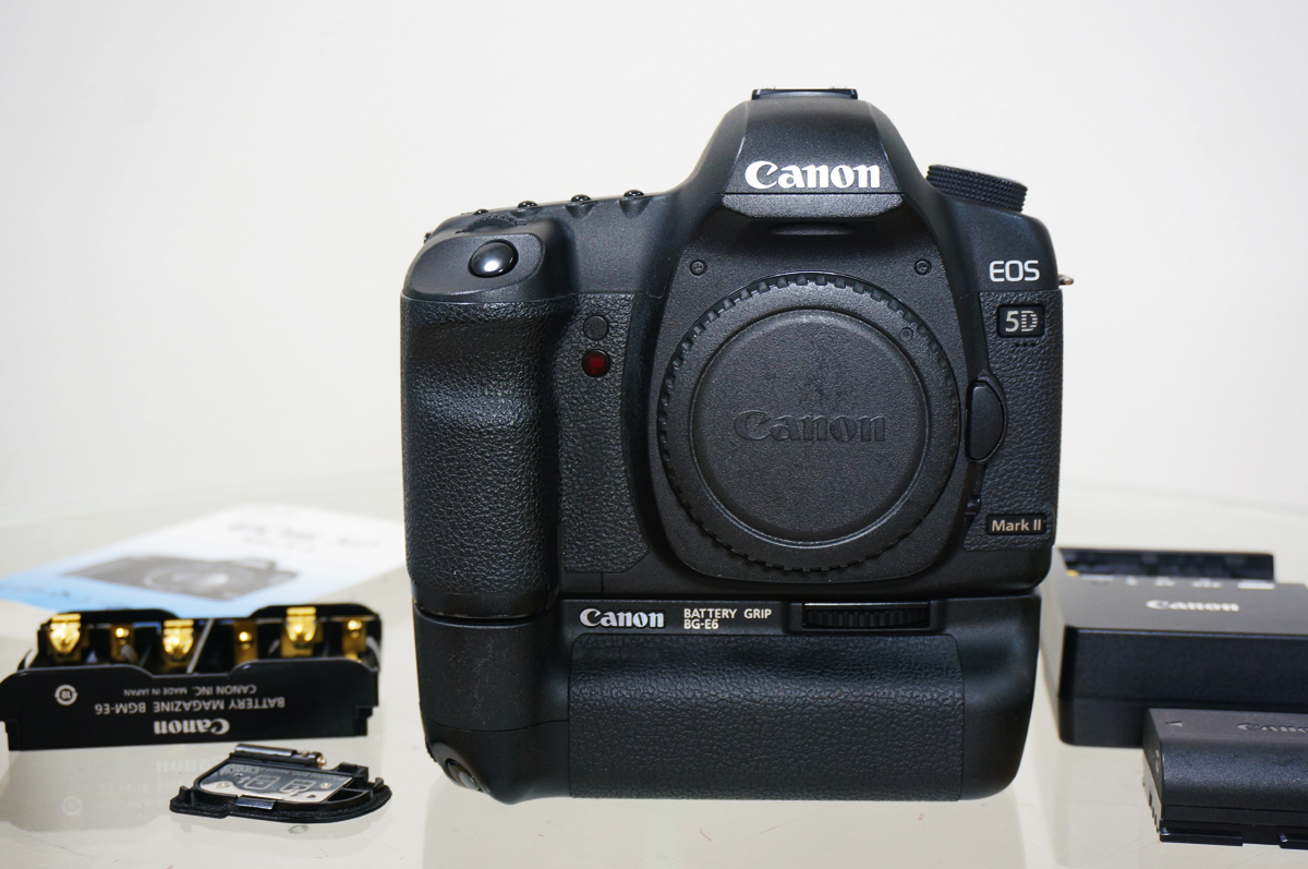 Canon EOS 5D Mark II & 純正バッテリーグリップ BG-E6 付き 防湿庫保管品 5dmark2&BG-E6 セット