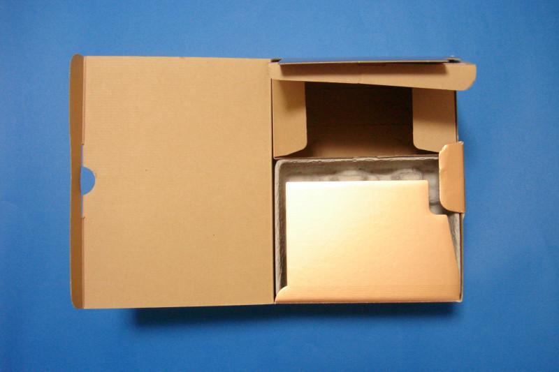 Nikon元箱2種類。