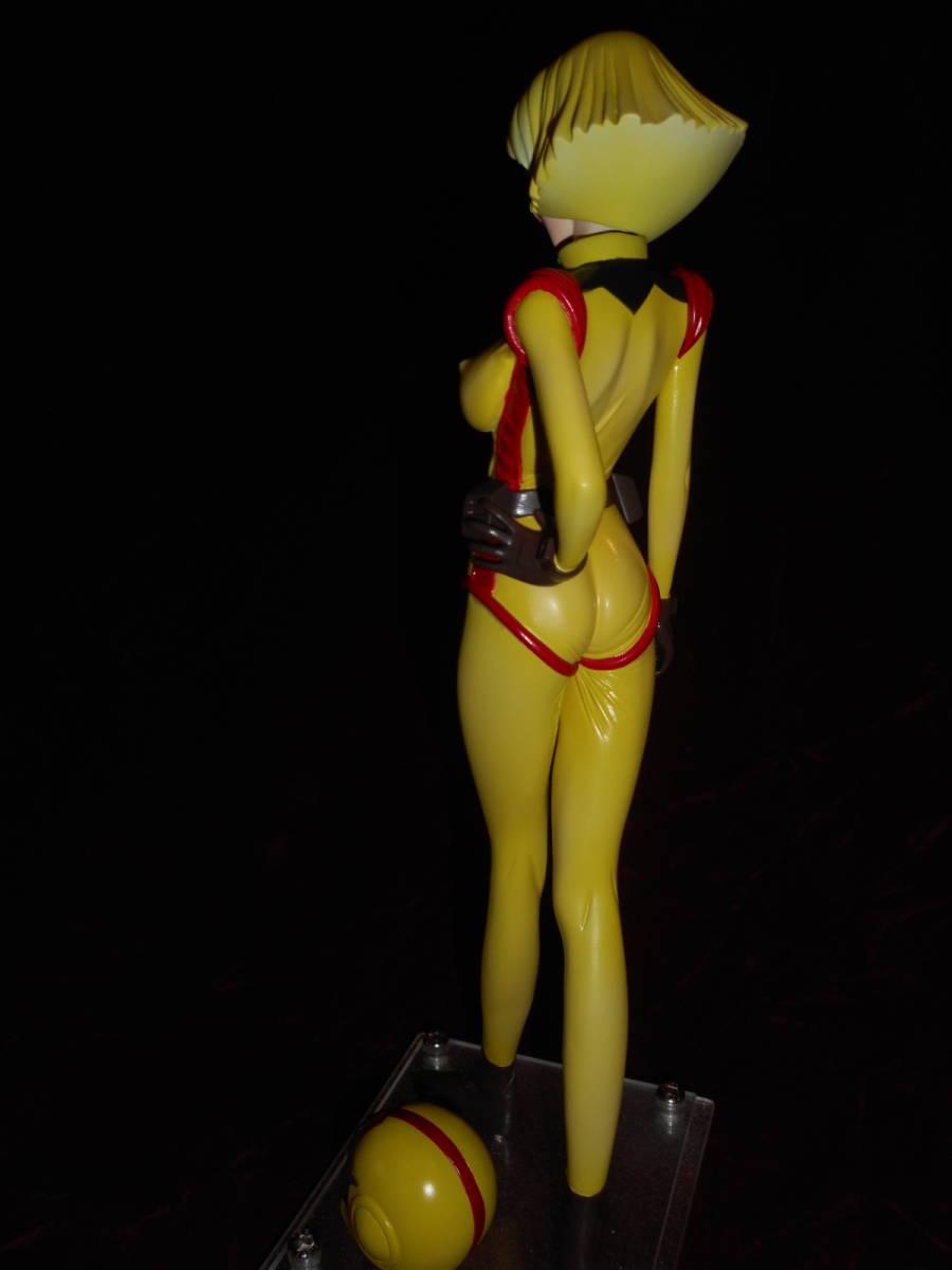 !!希少!!【機動戦士ガンダム】Sayla Mass P-UNIT 1/5.5 セイラ・マス (パイロットスーツVer) レジンキャストキット 完成品_画像4