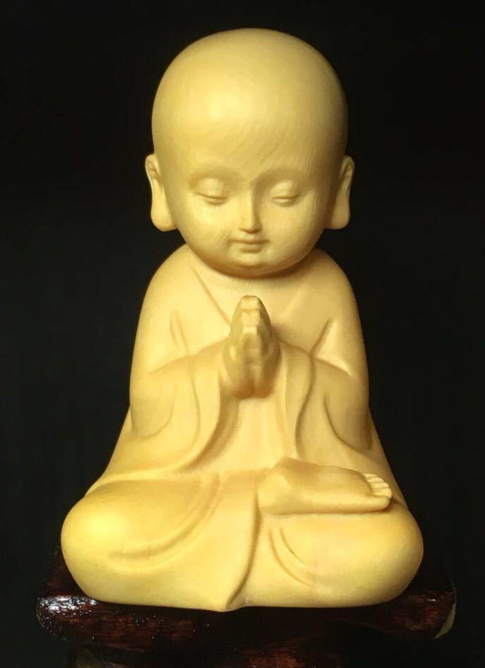 仏教美術 柘植 木彫り 木製 手のひらサイズ 癒し系 小僧 仏像 観音  置物 3点セット 木造台付き_画像3