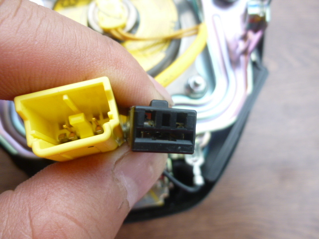 GP1/GP2/GE6/GE8 フィット フィットハイブリッド 型式指定16627 類別0004 エアバック 運転席 SRS インフレーター ダッシュボード付き _画像4