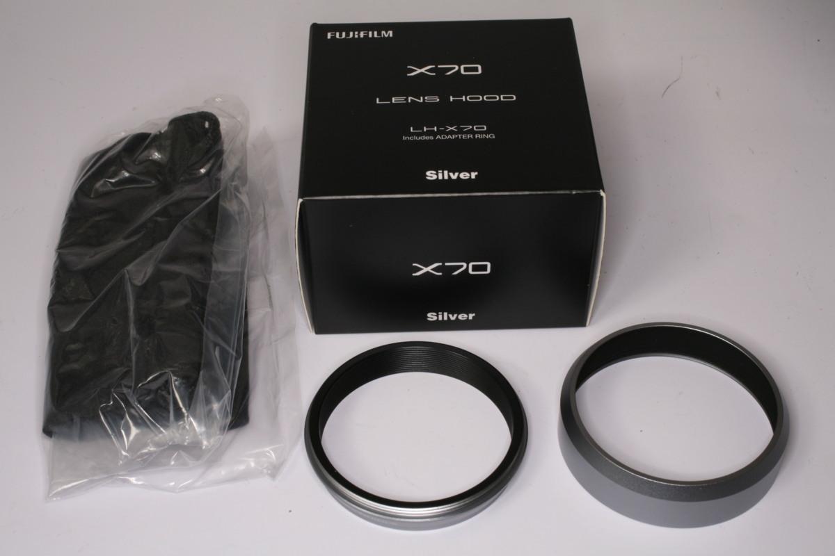 ★中古品★FUJIFILM・フジ デジタルカメラX70用レンズフードLH-X70S!_画像1