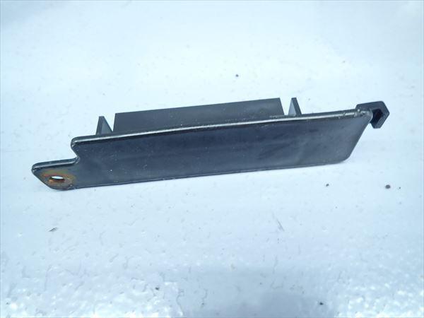 β0827 ヤマハ ジョグ JOG SA16J キャブ車 (H19年式) 純正 カウル カバー フック 3点セット 割れ無し!_画像3
