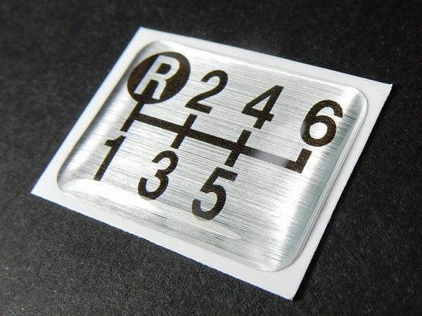 Tuningfan シフトパターン エンブレム 左上R 6速MT車用 6MT フォワード エルフ ファイター デュトロ 日本製 シフトノブ車検対応 ステッカー_画像2
