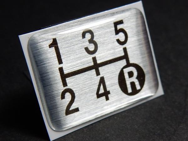Tuningfan シフトパターン エンブレム 5速MT車用 5MT マニュアル シール ステッカー プレート 日本製 三菱ふそう日野いすゞUD 車検 必須_画像1