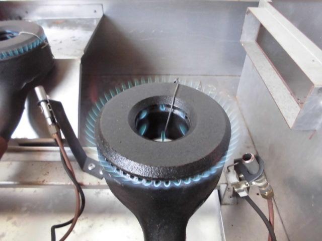 中古厨房 未使用品 サンウェーブ 卓上 2口コンロ+グリドル LPガス 圧電式 GK-75H W750×D600×H280mm 取説付 B 鉄板 プロパン_画像6