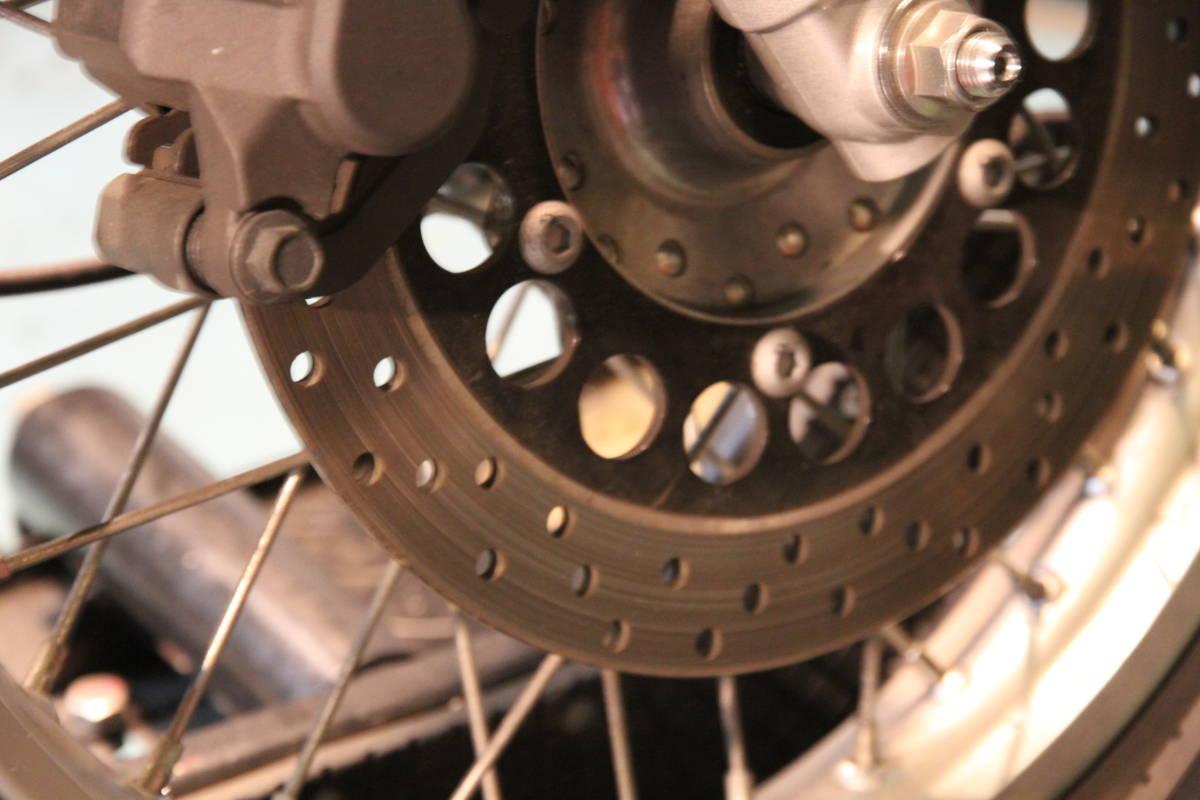 乾式クラッチ装着以外フルノーマル車SR400RH03J走行距離少1973km予備車検有り!_画像10