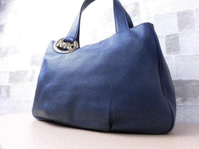 極美品(新品同様)■マイケルコース MICHAELKORS■ハンド バッグ A4可 レザー ネイビー 優秀鞄 ag9253