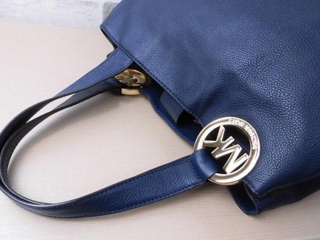 極美品(新品同様)■マイケルコース MICHAELKORS■ハンド バッグ A4可 レザー ネイビー 優秀鞄 ag9253_画像6