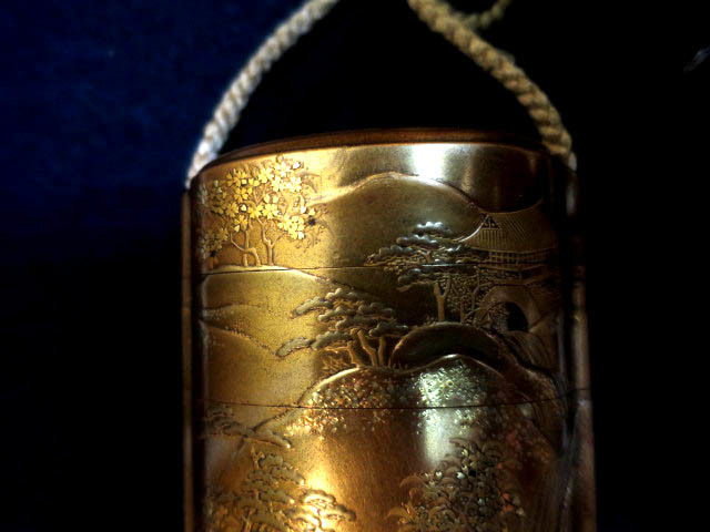 :【古都京都】「金蒔絵印籠B-293」漆器・陶器.蒔絵.印籠 薬籠 金蒔絵 内梨地 〝器〟_画像4