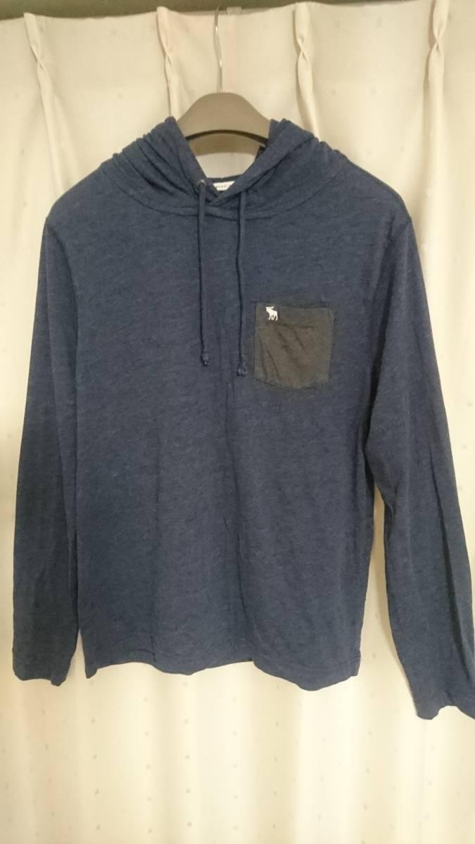 「アバクロ」Abercrombie&Fitch フード&ポケット付 長袖Tシャツ ムース刺繍 Mサイズ_画像2