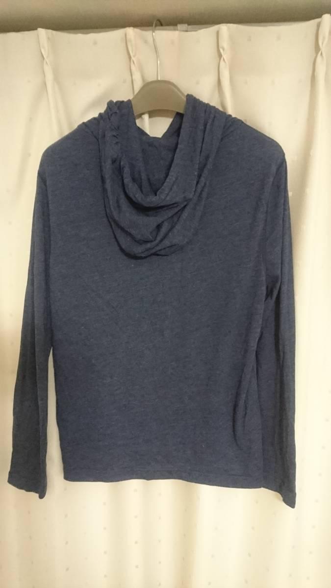 「アバクロ」Abercrombie&Fitch フード&ポケット付 長袖Tシャツ ムース刺繍 Mサイズ_画像3