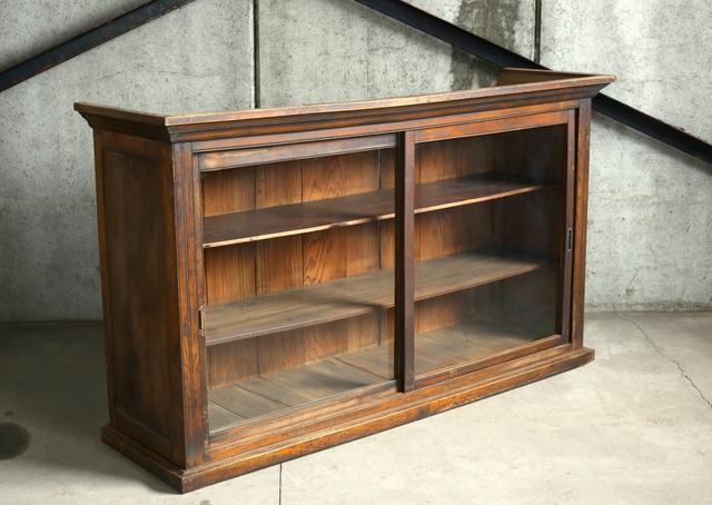 〇大塚古家具 品と味わいあるガラス戸収納棚 大正アンティーク 水屋箪笥 食器棚 コレクション棚 SHOP什器