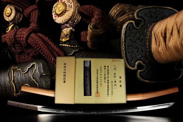 【喜】【どこにも出てない一品】最高級大名品 時代物 赤銅金金具一作揃太刀拵 兼則 白鞘
