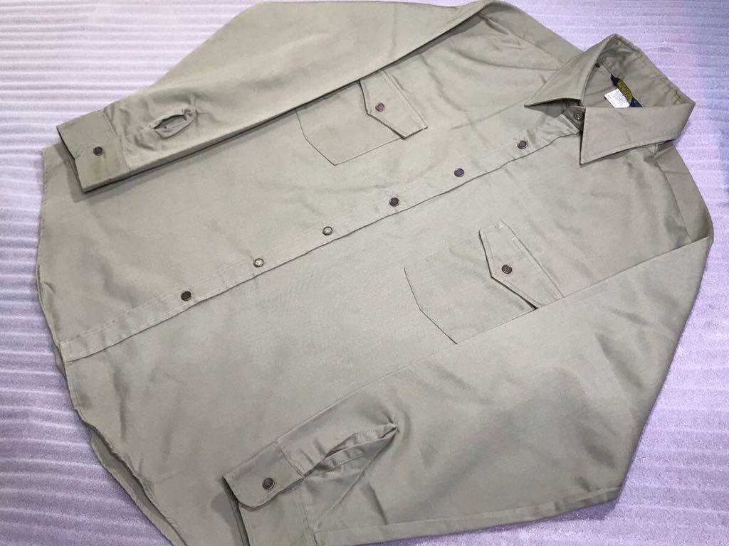 送料250円 超美品 USA製 OSHKOSH オシュコシュ カーキベージュ 長袖ワークシャツ 16 1/2 日本メンズ2L~3L位/大きいサイズ 1000円スタート_お仕事やカジュアルにデニムなどにも