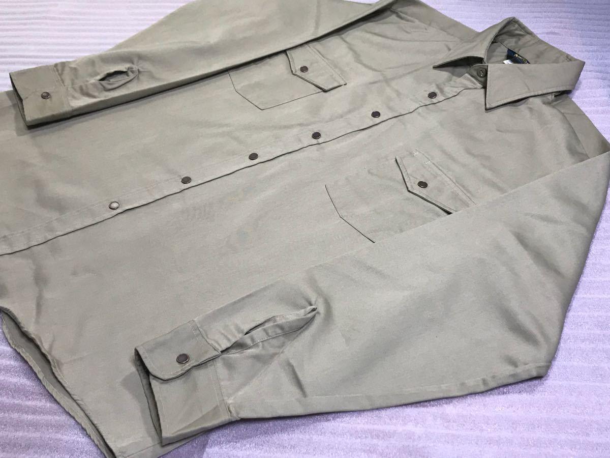 送料250円 超美品 USA製 OSHKOSH オシュコシュ カーキベージュ 長袖ワークシャツ 16 1/2 日本メンズ2L~3L位/大きいサイズ 1000円スタート_画像4