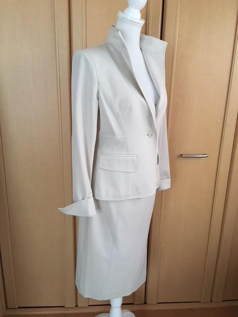 モガ MOGA スカートスーツ ライトベージュ アイボリー 大きいサイズ 4