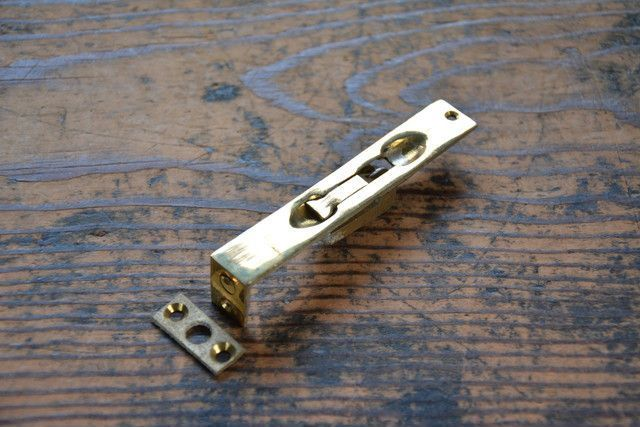 NO.7511 古い真鍮鋳物のフランス落し 90mm 検索用語→A50gアンティークビンテージ古道具真鍮金物ドア金物観音扉建具ドア_画像1