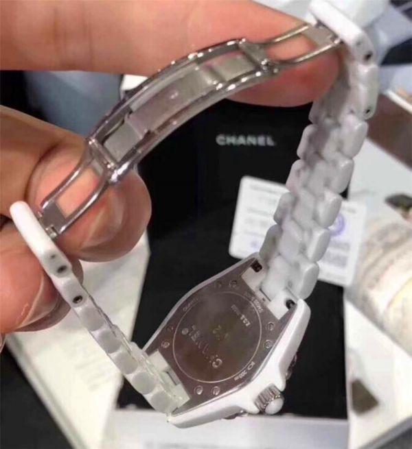 CHANEL J12 H1628 シャネルクロノグラフ ブラックセラミック腕時計 自動巻_画像5